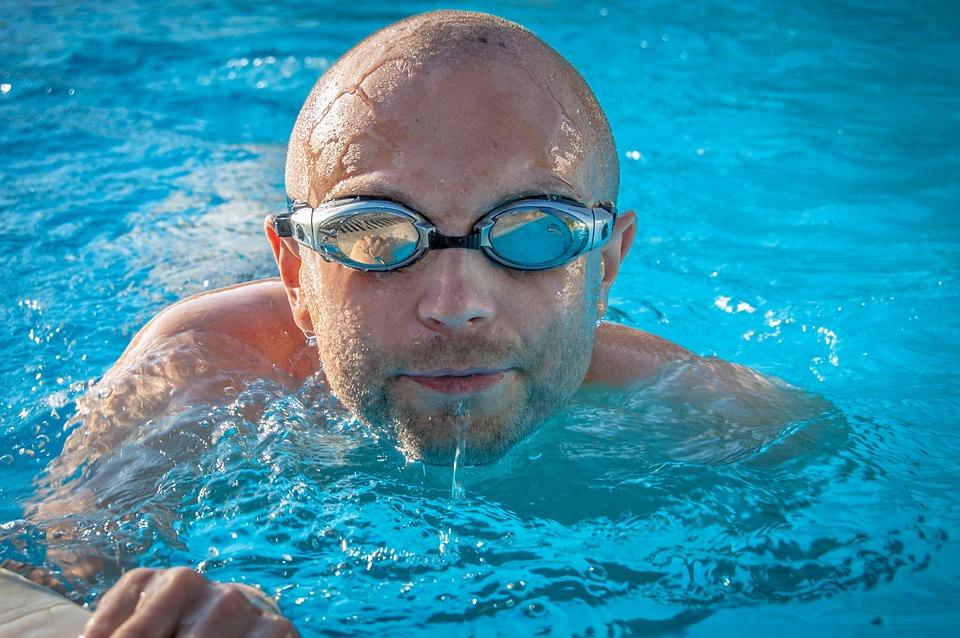 Ideální pro osvěžení v létě na zahradě i praktický pomocník u bazénů