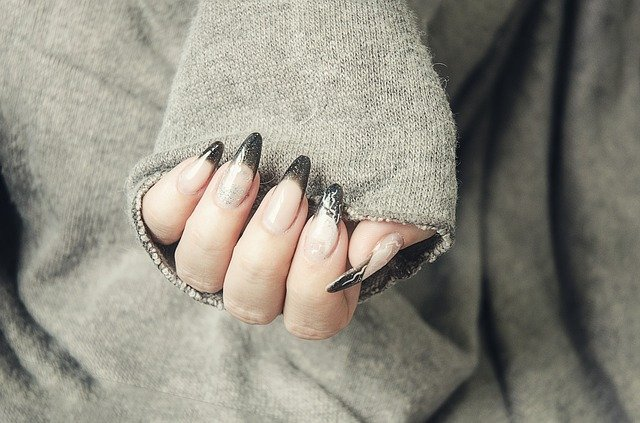 umělé nehty