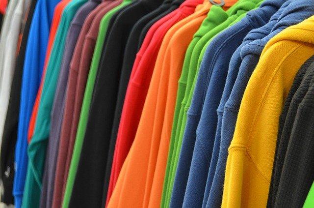 Vybírejte reklamní trička či jiný textil