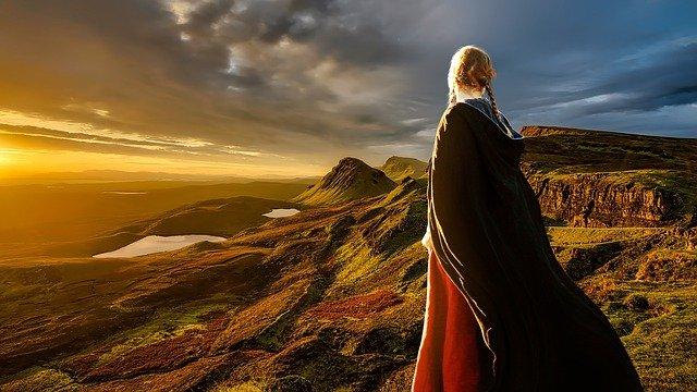 blondýna v horách
